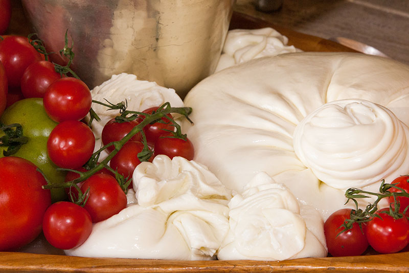 Burrata is usually served fresh at room temperature and its taste goes very well with salads, crusty bread, prosciutto and salami, fresh tomatoes with olive oil