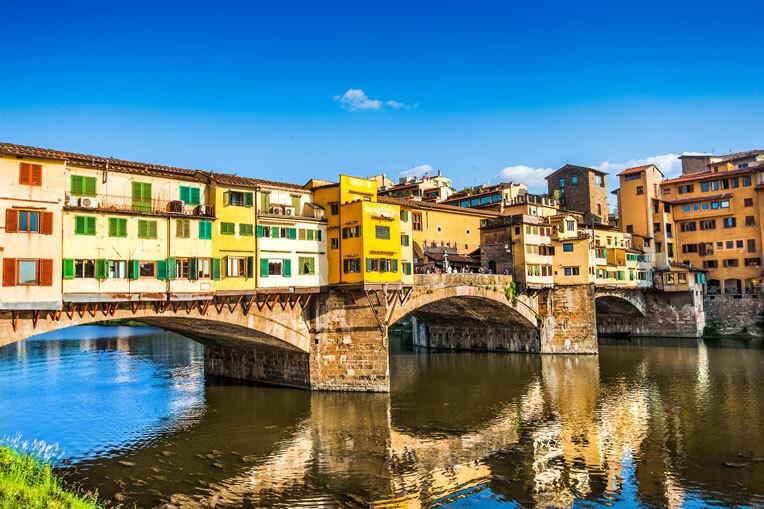 Famous Ponte Vecchio with river Arno - photo by pandionhiatus3
